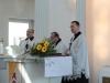 Poswiecenie dzwonu - duchowni obecni podczas uroczystości